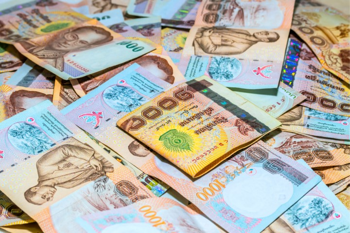 thai-bhat-currency-and-notes