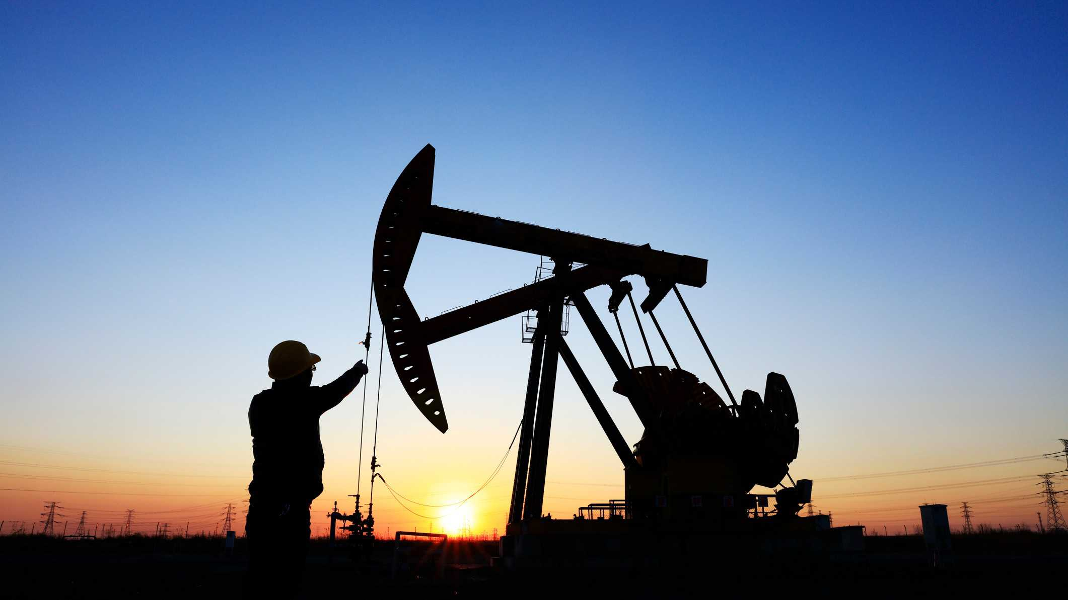 oil and gas operations at sunset signifying senex share price