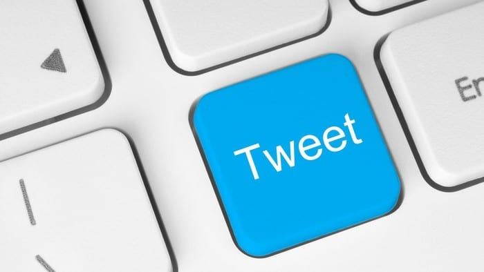 apple keyboard with a tweet key
